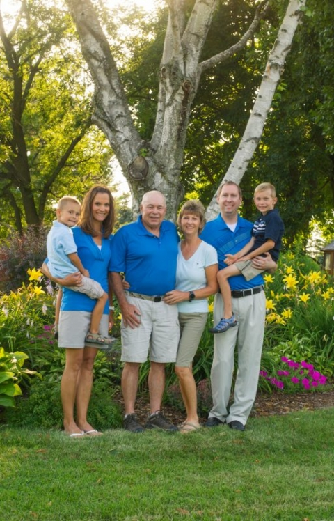 family photographer madison wi;family pictures madison wi;family pictures near me;family photographer near me; family picture ideas
