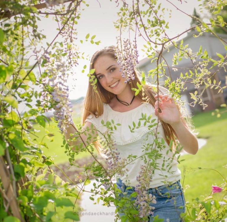 wisteria vines;senior pictures waunakee;senior photographer madison wisconsin